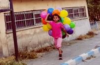 YALIN - Din, Dil, Irk Fark Etmez Açıklaması O Ne De Olsa Çocuk