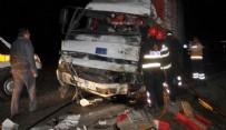 KıZıLKAYA - İşçileri taşıyan otobüs ile kamyonun çarpışması: 1 ölü, 39 yaralı