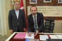 İMZA TÖRENİ - Orta Çarşı'da İmzalar Atıldı