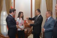 SERDAR DEMİRHAN - Şampiyon Boksörden Vali Toprak'a Ziyaret