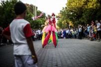 SOKAK SANATÇILARI - İzmir Enternasyonel Fuarı, Kapılarını Bugün Kapatıyor