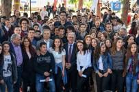 MALVARLIĞI - Muratpaşa Belediyesi'nden Üniversite Öğrencilerine Burs