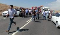 YOLCU MİNİBÜSÜ - Yolcu Minibüsü İle TIR Çarpıştı Açıklaması 1 Ölü, 20 Yaralı