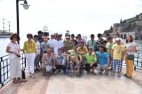ENGELLİ ÖĞRENCİLER - Ankaralı Engelliler Alanya'da Kültür Gezisinde