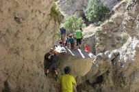 Doğaseverler 9 Kilometrelik Kanyon Yürüyüşüne Katıldı