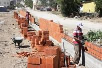 EDREMIT BELEDIYESI - Edremit Belediyesi Okul Bahçelerinde Düzenleme Yapıyor