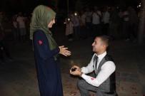 EVLİLİK TEKLİFİ - Şehrin Ortasında Sürpriz Evlilik Teklifi