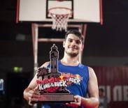 RED BULL - Sokak Basketbolunun Kralı Tacını Taktı