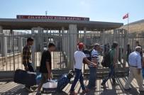 GÜMRÜK MUHAFAZA - Suriyeliler Bayramlaşmak İçin Memleketlerine Gidiyor
