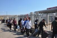 GÜMRÜK MUHAFAZA - Bayramlaşma İçin 5 Bin Kişi Suriye Tarafına Geçti