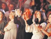 CEM YILMAZ - Ebru Şallı'ya aşk golü