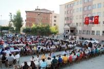 ÖĞRETMEN ATAMASI - Hakkari'de Öğretmenler Yemekte Bir Araya Geldi