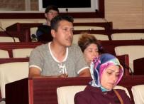 PSİKOLOJİK TEDAVİ - Halk Günü Toplantısında Kimi 'Hocam', Kimi De 'Başkanım' Diye Hitap Ederek Vali'den Aş, İş İstedi