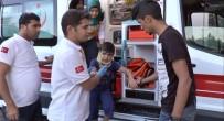UÇAKSAVAR - Otomobilin Çarptığı Suriyeli Çocuk Yaralandı