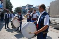GENÇLIK PARKı - Cazgırlar, Vatandaşları Güreş Meydanına Davet Etti