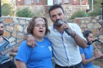 'O Ses Türkiye' Finalistinden Downlular İçin Konser