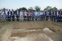ÖLÜM HABERİ - Trabzon Heyeti Kanuni Sultan Süleyman'ın Macaristan'da Bulunan Kabrini Ziyaret Etti