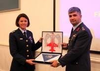 TÜRK HAVA KUVVETLERI - Türk Hava Kuvvetleri'nin ilk kadın filo komutanı