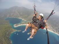 ÖLÜDENİZ - İlk defa paraşütle atlayan tatilci krize girdi