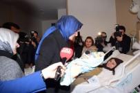 FATMA BETÜL SAYAN KAYA - Bakan Kaya Yılın İlk Bebeğini Ziyaret Etti