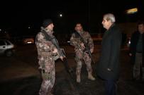 HASAN KAYA - Başkan Demirkol'dan Polise Ve Temizlik Personeline Anlamlı Ziyaret