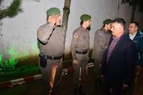 ERSIN YAZıCı - Vali'den Asker Ailesine Sürpriz Telefon
