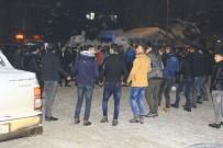 Yeni Yıla Lapa Lapa Kar Yağışı Altında Halaylarla Girdiler