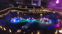 EĞLENCE MERKEZİ - Yeni Yıla Muhteşem Havuz Şovu İle Girdiler