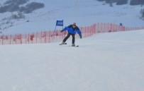 DAVUT GÜL - Yıldız Dağı'nda Kayak Yarışmaları Nefes Kesti
