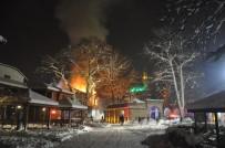 TARİHİ BİNA - 185 Yıllık Tarihi Binalar Küle Döndü
