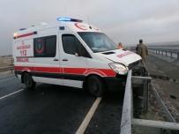 Ambulans Zincirleme Kazaya Karıştı Açıklaması 11 Yaralı