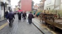 SAĞANAK YAĞMUR - Aydın'da Kar Ve Soğuk Hava Pazarı Vurdu