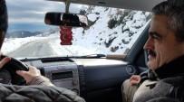 MAHSUR KALDI - Başkan Alıcık, Karla Kaplı Yolları Aşarak Açılış Yaptı