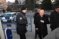 Başkan Çolakbayrakdar Sabah Çayını Polislerle Birlikte İçti