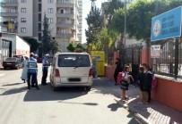 GÜZERGAH - Büyükşehir Zabıta, Korsan Servis Araçlarına Göz Açtırmıyor
