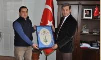 Ebru Ustasından Başkan Süleyman Özkan'a Hediye