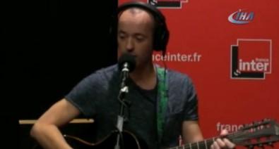 Fransız şarkıcıdan skandal şarkı