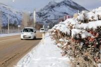 Gümüşhane'de 100 Köy Yolu Kar Yağışı Nedeniyle Ulaşıma Kapandı