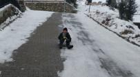 Kar Tatilinin Tadını Kayarak Çıkardılar