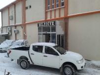 Karda Mahsur Kalan Vatandaşı Belediye Ekipleri Kurtardı