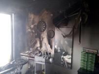 Manisa'da İş Yeri Yangını Korkuttu
