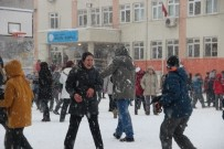 MUSTAFA HAKAN GÜVENÇER - Manisa'da Okullara Kar Tatili