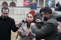 AHMET ÜNAL - Mersin'de Gazeteciler Günü'nde Kelepçeli, Ekmekli Protesto