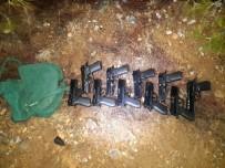 SİLAH TİCARETİ - Ormanlık Alanda Ruhsatsız Tabanca Ve Tüfek Ele Geçirildi