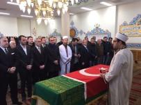 HANEDAN - Osmanlı hanedan reisi Osmanoğlu toprağa verildi