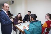 ÖĞRENCILIK - Rektörden Finallere Hazırlanan Öğrencilere Çay-Simit İkramı