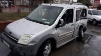 YOL YAPIMI - Söke'de Kaza Ucuz Atlatıldı; Yolcu Otobüsü, Otomobile Çarptı