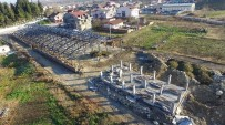 KULLAR - Başiskele'de Semt Pazarlarının Yapımları Devam Ediyor