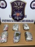 Çantadan 2.5 Kilo Esrar Çıktı 2 Kişi Gözaltına Alındı