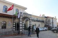 Gaziantep'teki Saldırıda Yaralanan Polis Memurunun Sağlık Durumu İyiye Gidiyor